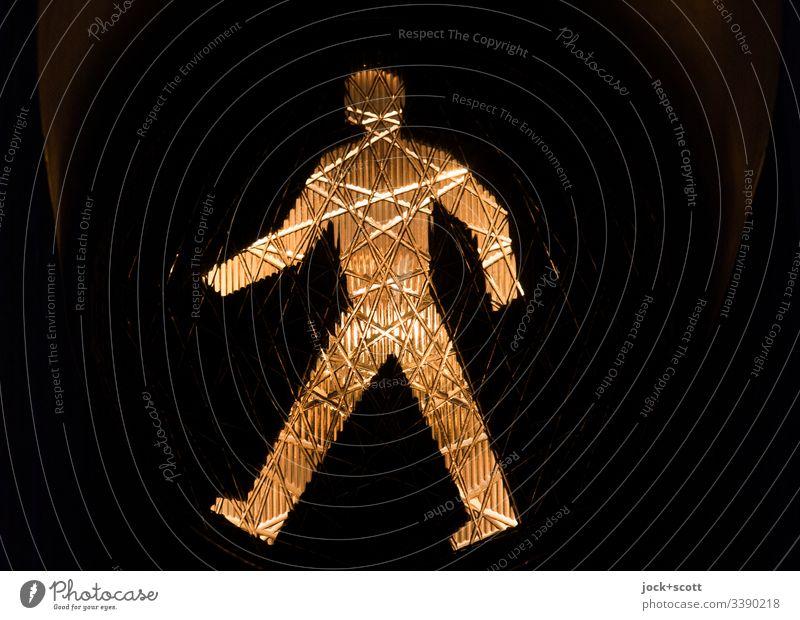 Ampelmann geht voran Profil Silhouette Kunstlicht Detailaufnahme Piktogramm Streulicht Sicherheit Verkehrszeichen leuchten Fußgänger Grafik u. Illustration