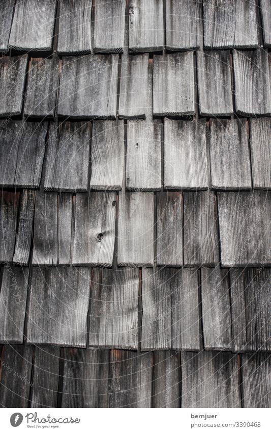 Holzschindeln Fichte Zeder Wand Schindel Hintergrund Textur Schütteln Haus natur Design Material Dach braun Baum Architektur Grunge Gebäude strukturiert Panel