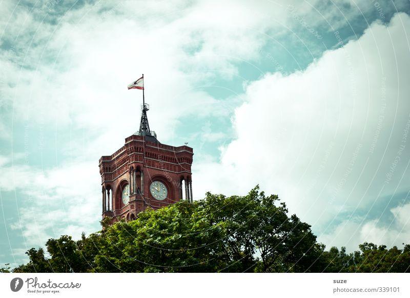 Kiekemal Himmel grün Wolken Umwelt Berlin Zeit Kunst Deutschland Uhr Tourismus Europa Kultur Symbole & Metaphern historisch Bauwerk Fahne