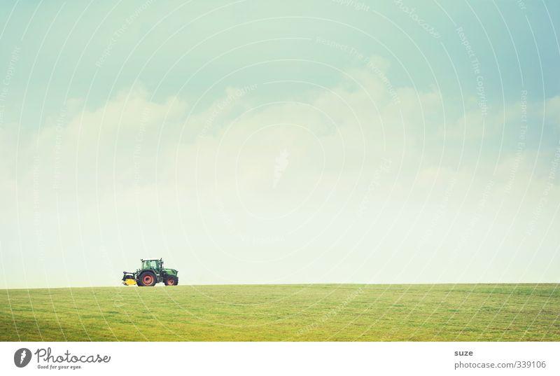Bauerpower Himmel Natur blau grün schön Wolken Umwelt Wiese Horizont Luft Arbeit & Erwerbstätigkeit Feld authentisch Schönes Wetter Urelemente Landwirtschaft