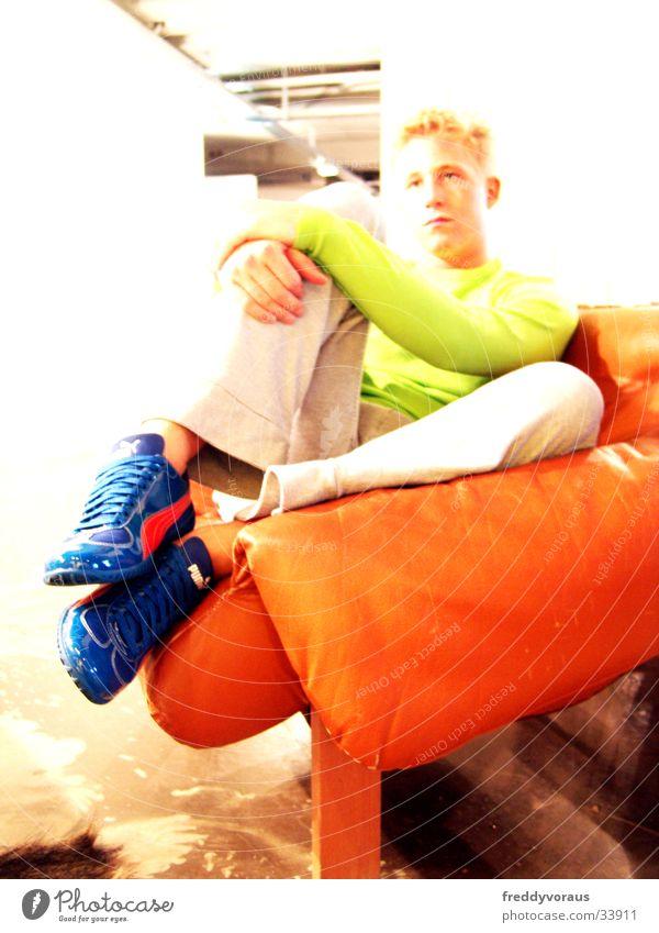 bobble*5 Licht Sessel Schuhe Hose Pullover Mann Mode. fashion