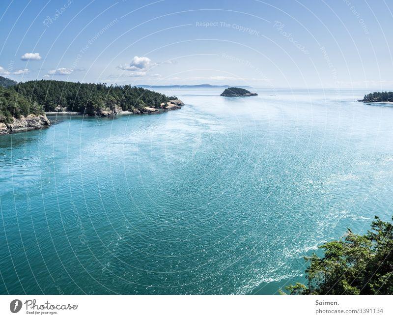 Deception Pass USA Amerika Aussicht Küste Felsen Walt Bäume Meer Pazifik wolken blau blauer Himmel Wolke wellen weiter Blick Klima Schönheit Natur Umwel