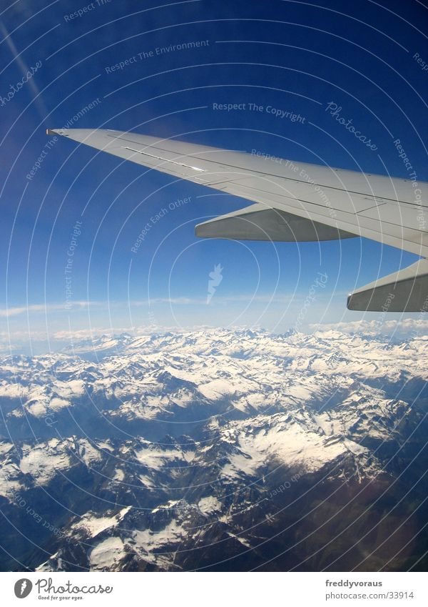 Über den Wolken* Ferien & Urlaub & Reisen Berge u. Gebirge Flugzeug Europa Flügel Alpen