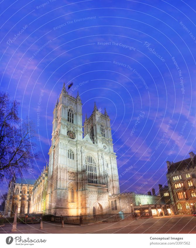 Westminster Abbey in der Abenddämmerung, London, England. Abtei Architektur Britische Inseln Kathedrale Christinanity Kirche Europa Großbritannien Historie
