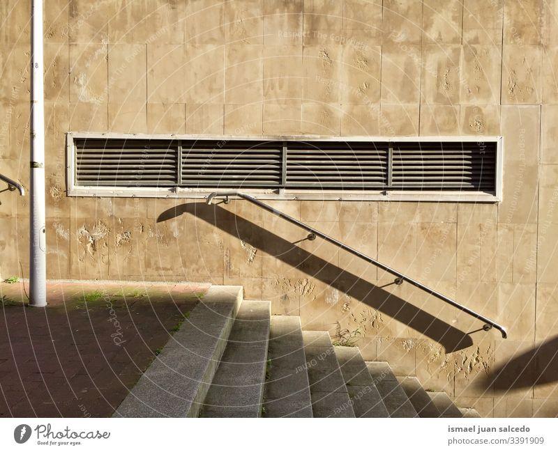 Treppenarchitektur auf der Straße in der Stadt Bilbao Spanien Freitreppe Architektur Struktur Treppenhaus Konstruktion Stock Boden im Freien urban alt nach oben