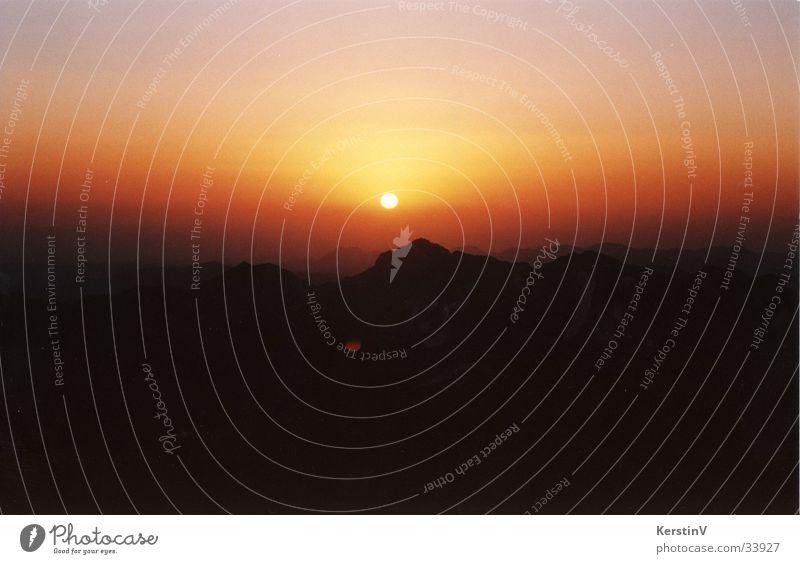 Sonnenaufgang am Mosesberg Natur Ferien & Urlaub & Reisen Farbe Landschaft Berge u. Gebirge Spiritualität