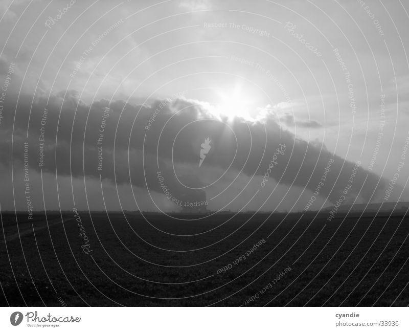 Chaos Umwelt Wolken Feld Industrie Sonne undustrie Himmel Schwarzweißfoto