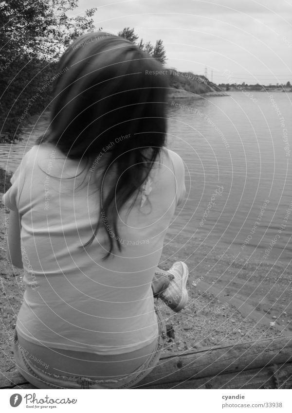 S/W Silence Frau Wasser Mädchen Himmel Haare & Frisuren See Sand Rücken