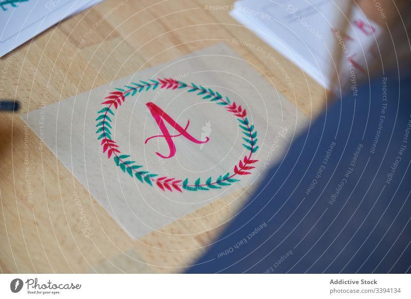 Stilvolle Illustration auf Transparentpapier Beschriftung Grafik u. Illustration Bild Vorlage Zweig farbenfroh Tisch Kunst Handschrift zeichnen kreativ