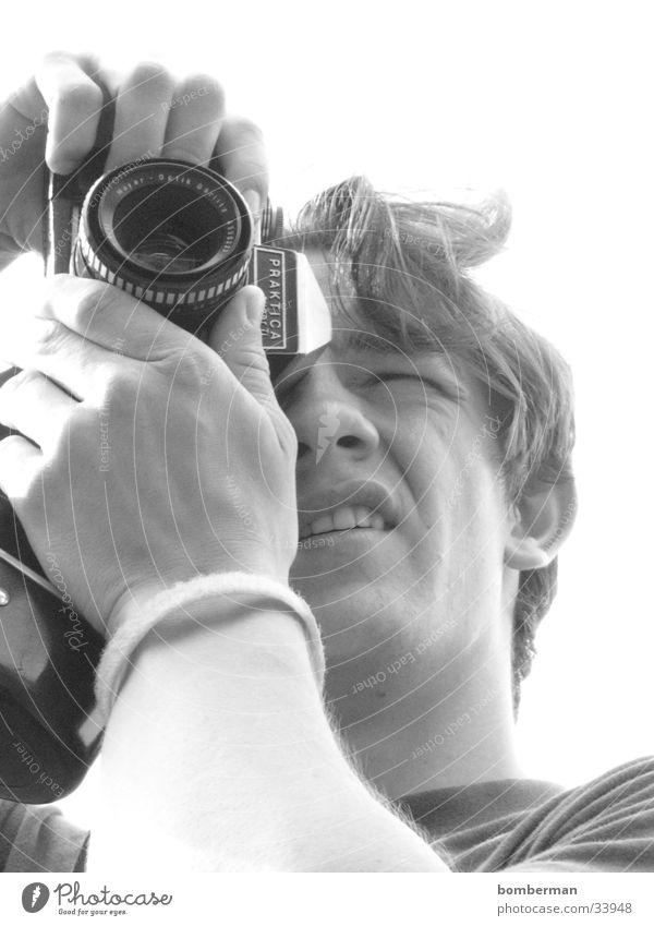 der fotograf mit der kamera Mann Fotokamera Fotograf