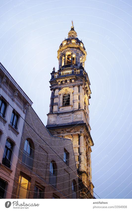 alt | Sint-Pauluskerk Antwerpen Kirche Kirchturm Barock Gothic Fenster Dämmerung Menschenleer Farbfoto Außenaufnahme Architektur Religion & Glaube Gebäude