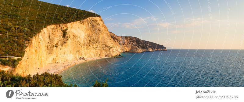 Strand von Porto Katsiki auf der Insel Lefkada, Griechenland ionisch Paradies schön Meereslandschaft Felsen Lefkas blau Urlaub malerisch lefkada Küste Klippe