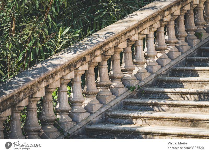 Steinbrüstung im neoklassizistischen Stil Farbe Treppe Architektur architektonisch abstrakt im Freien Außenseite neoklassische Brüstung neoklassizistischer Stil