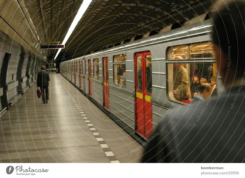 Metro 3 U-Bahn Verkehr