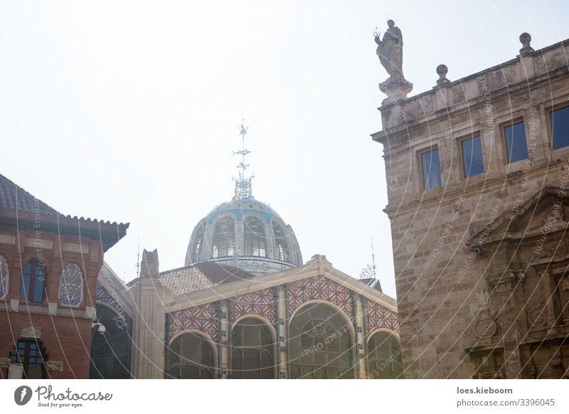Seitenansicht der Kuppel des Mercado Central, Valencia, Spanien Markt Architektur Europa zentral Wahrzeichen mercado Valencianer Gebäude Fassade Großstadt