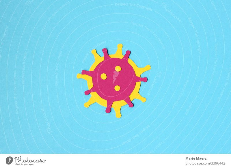 Coronavirus | Illustration eines Virus aus Papier ausgeschnitten auf hellblauem Hintergrund Bakterien Infektion Grippe Einstellungen erreger Krankheit