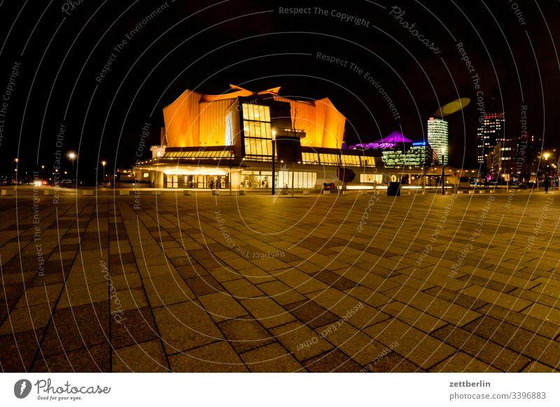 Berliner Philharmonie nachts abend architektur außen avant garde bauhaus berlin berliner philharmonie dunkel fassade hans scharoun konzert konzerthalle
