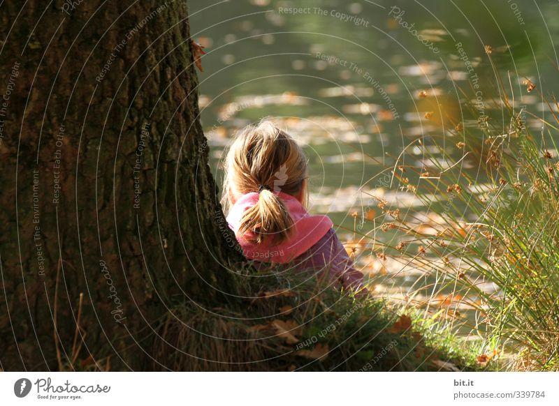 Chillen bei den Grillen Erholung ruhig Ferien & Urlaub & Reisen Ausflug Kindererziehung lernen Schulkind Mensch Mädchen Kindheit Umwelt Natur Pflanze Herbst