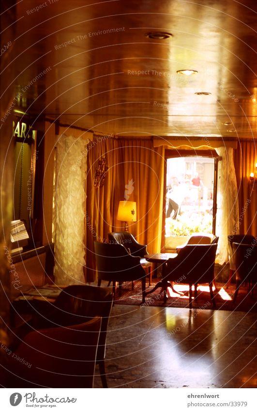 Hotel-Lobby Fünfziger Jahre Venedig Italien Sessel Gegenlicht Spiegel Flur Europa Abwasserkanal Gondolieri Reception Foyer Durchlick
