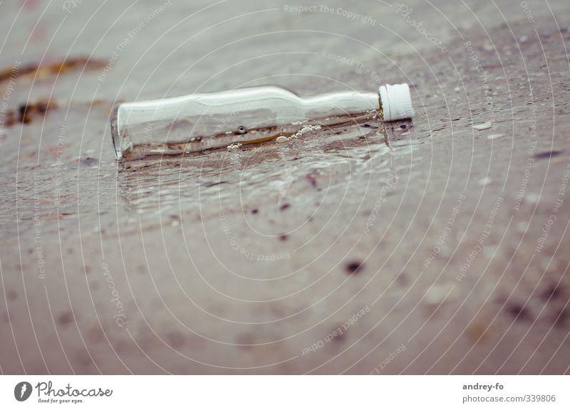 Flasche Ferien & Urlaub & Reisen Wasser Sommer Meer Strand Umwelt Küste Schwimmen & Baden Sand See braun Wellen Glas Tourismus Telekommunikation Abenteuer