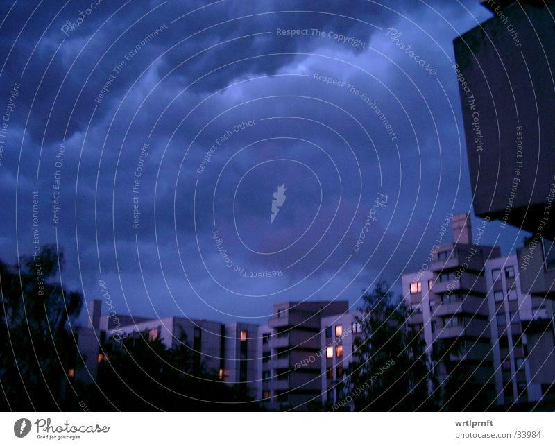 blau? Wolken Wohnung Balkon Nacht Langzeitbelichtung Gewitter Himmel Regen Abend