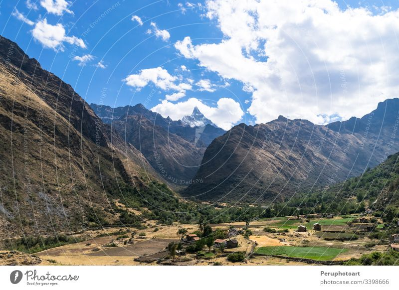 Landschaft von Santa Cruz Trek, Huascaran-Nationalpark in den Anden von Peru. Natur Winter Wanderung Peruaner Berge u. Gebirge Ausflugsziel Trekking huaraz