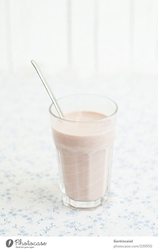 Schokomilch Glas Getränk Foodfotografie süß lecker Löffel Kakao Schokomilchshake