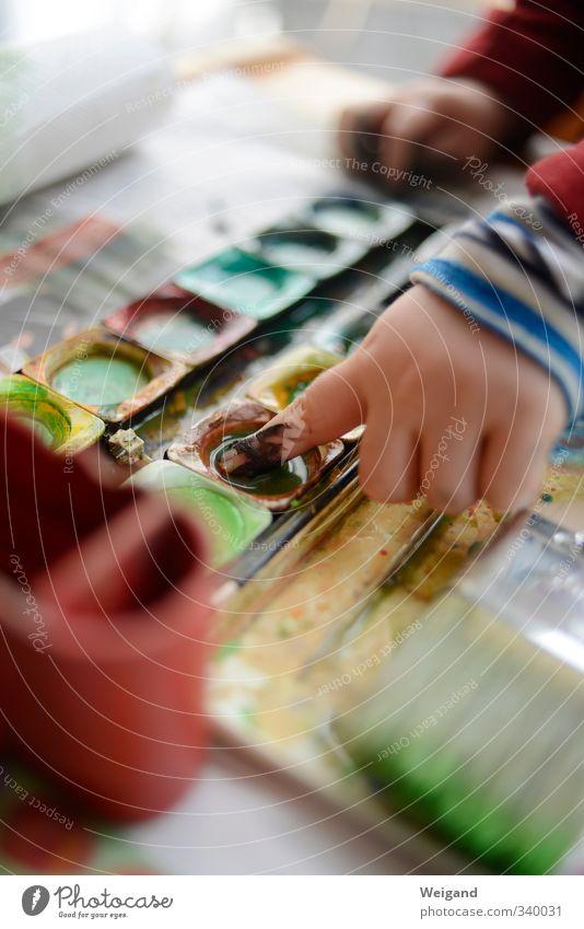Bodypainting Mensch Kind Hand rot Farbstoff Häusliches Leben Design Finger malen Kreativität Kleinkind Mut zeichnen Kindergarten Künstler Kindererziehung