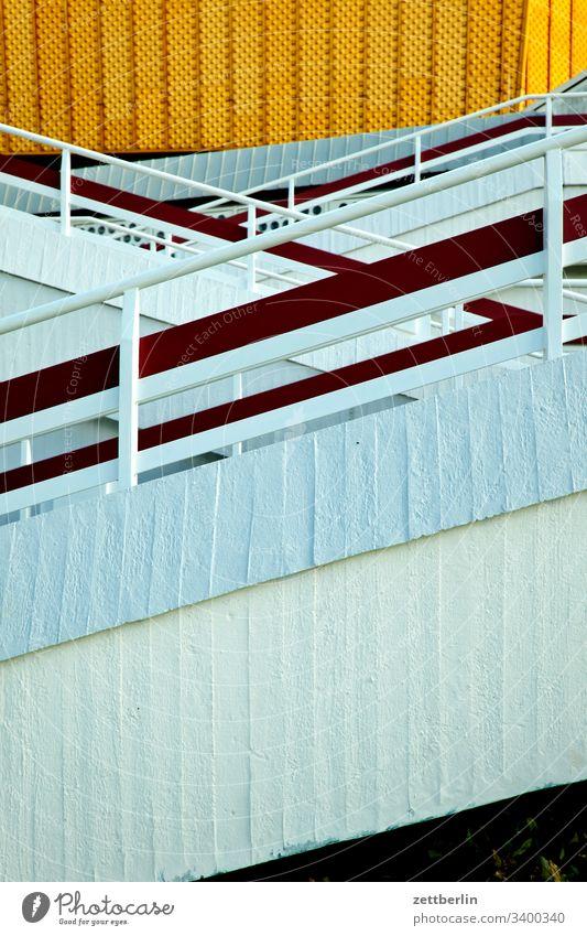 Berliner Philharmonie architektur außen avant garde bauhaus berlin berliner philharmonie charlottenburg fassade frühjahr frühling hans scharoun hauptstadt