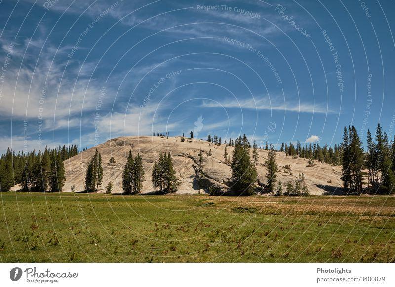 Tioga Pass - Yosemite NP - Granitfelsen Außenaufnahme Berge u. Gebirge blau Schönes Wetter Himmel Farbe Klettern Natur Farbfoto USA Inspiration einzigartig