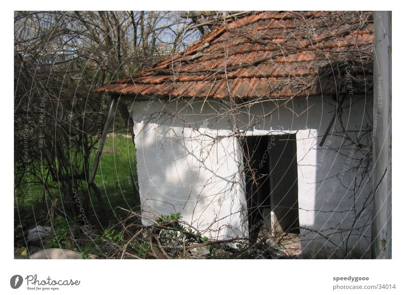 Keiner Zuhause? alt Haus Einsamkeit leer obskur Hütte Scheune Türkei