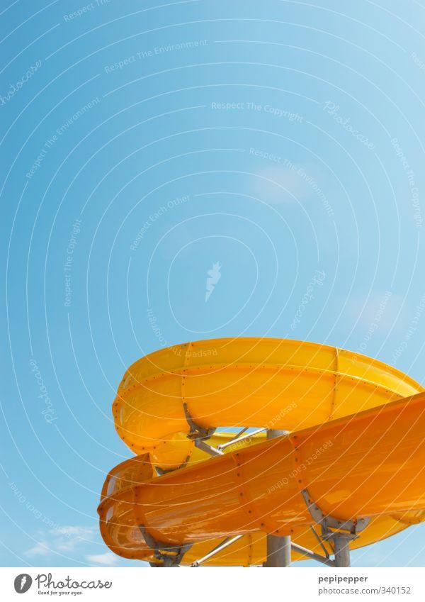ganz schön rutschig Himmel Ferien & Urlaub & Reisen blau Sommer Freude gelb Bewegung Spielen Architektur Schwimmen & Baden Freizeit & Hobby Schwimmbad Wellness
