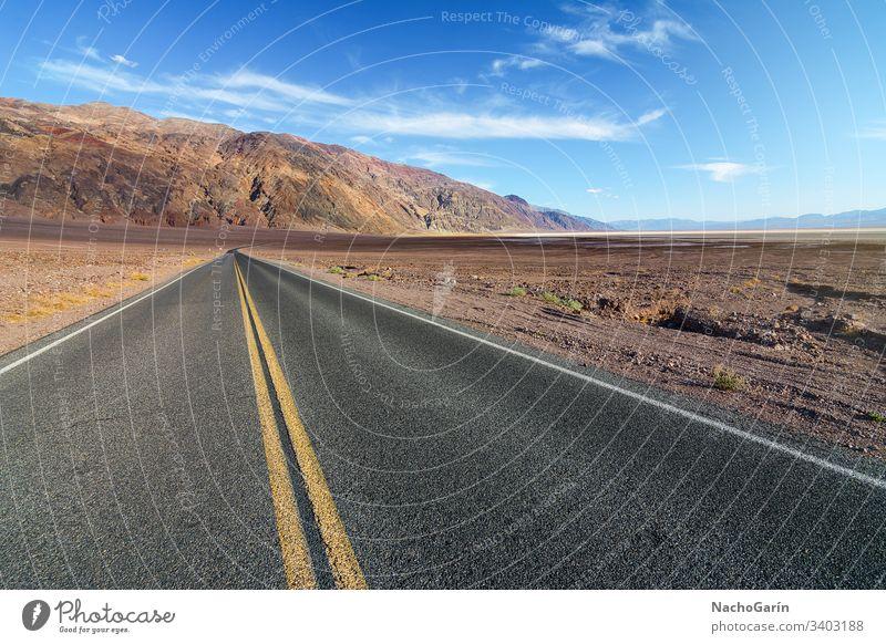 Amerikanische Straße durch den Death Valley National Park in Kalifornien, Usa Tal Tod wüst national Autobahn reisen Landschaft USA Reise malerisch Natur