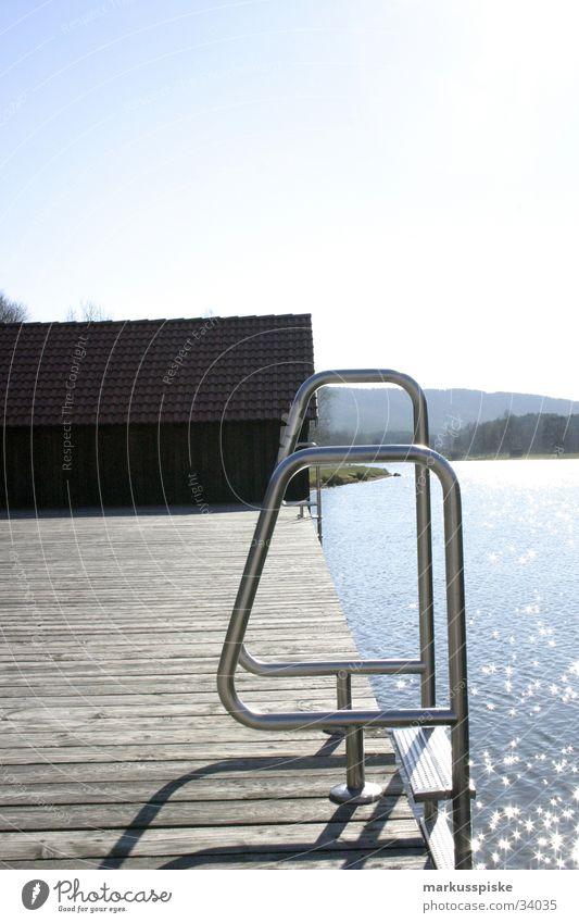 in den see... See Steg Bootshaus Meer Sommer Ferien & Urlaub & Reisen Wasser Sonne Himmel Metall Stern (Symbol) Küste Berge u. Gebirge