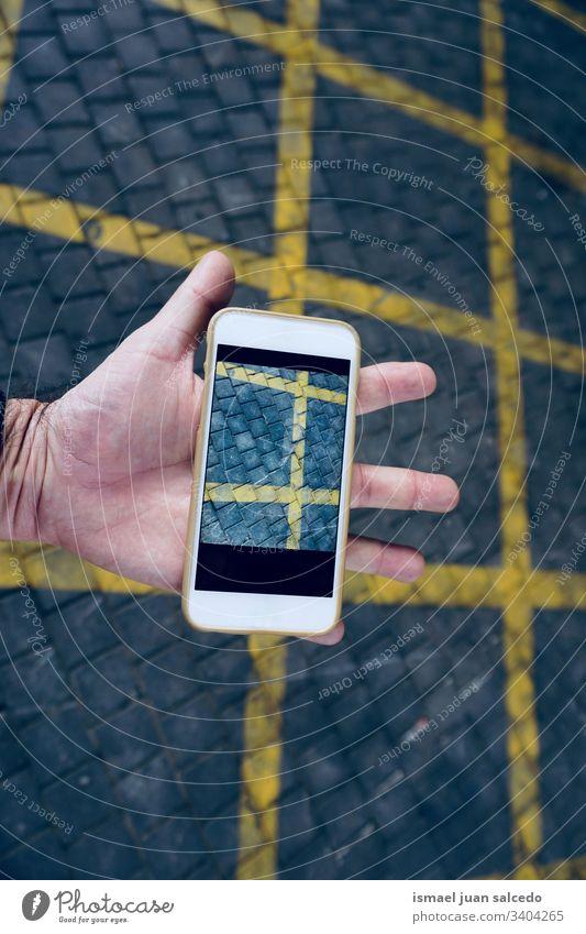 Handy-Süchtige, die die Technologie nutzen Mann Person menschlich Telefon weiß Technik & Technologie Mobile Mitteilung Business Bildschirm Zelle Funktelefon
