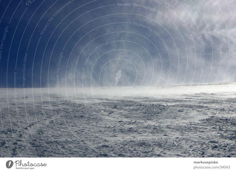 schneewüste Sonne kalt Berge u. Gebirge Schnee Eis Korn Blauer Himmel extrem Skipiste Schneesturm Hagel Extremsport
