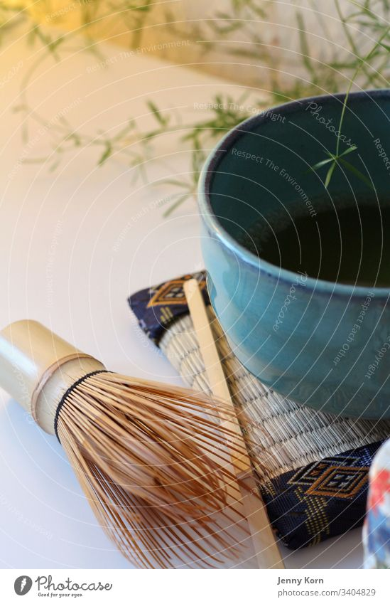 Teezeremonie Matcha grüner Tee Bambusbesen ruhe Achtsamkeit Matcha-Tee Getränk Gesundheit Rührbesen trinken Japan Wasser Pulver Lebensmittel