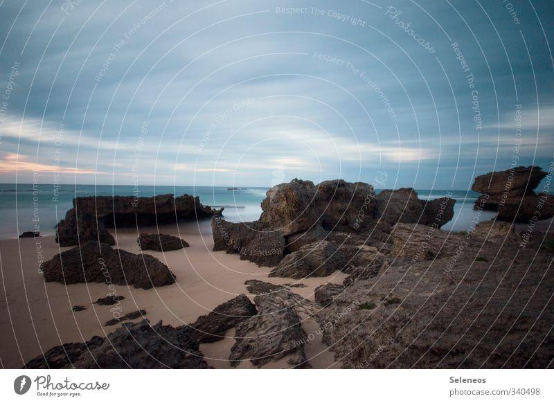 Ewigkeit Himmel Natur Ferien & Urlaub & Reisen Meer Einsamkeit Landschaft Wolken Ferne Strand Umwelt Küste Freiheit Felsen Wellen Tourismus Ausflug