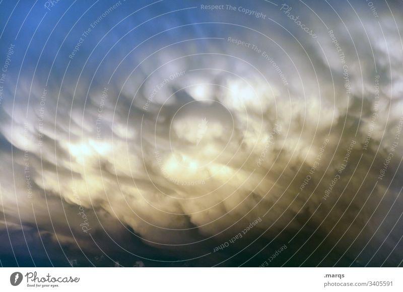 Wetter Wolken Natur Unwetter Gewitterwolken Stimmung Urelemente Himmel bedrohlich Umwelt Sturm gruselig dramatisch dunkel nur Himmel Klimawandel Endzeitstimmung