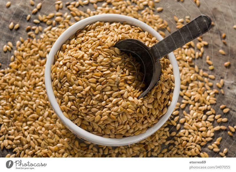 Goldene Leinsamen Ackerbau Gerste Schalen & Schüsseln braun Buchweizen Müsli trocknen Lebensmittel Korn Grütze Gesundheit Haufen Bestandteil vereinzelt