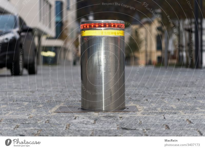 Meinungsforscher absperrung automatisch autos barriere begrenzt begrenzung beleuchtet beweglich Boden elektrisch geschlossen hindernis hydraulisch mechanisch