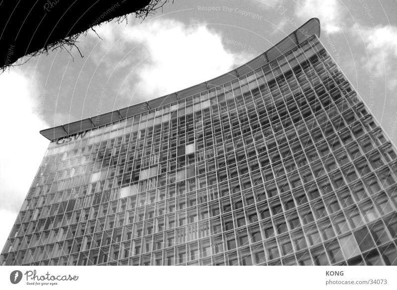 GSW Hochhaus Berlin Himmel Wolken Architektur Glas Fassade Perspektive Haus