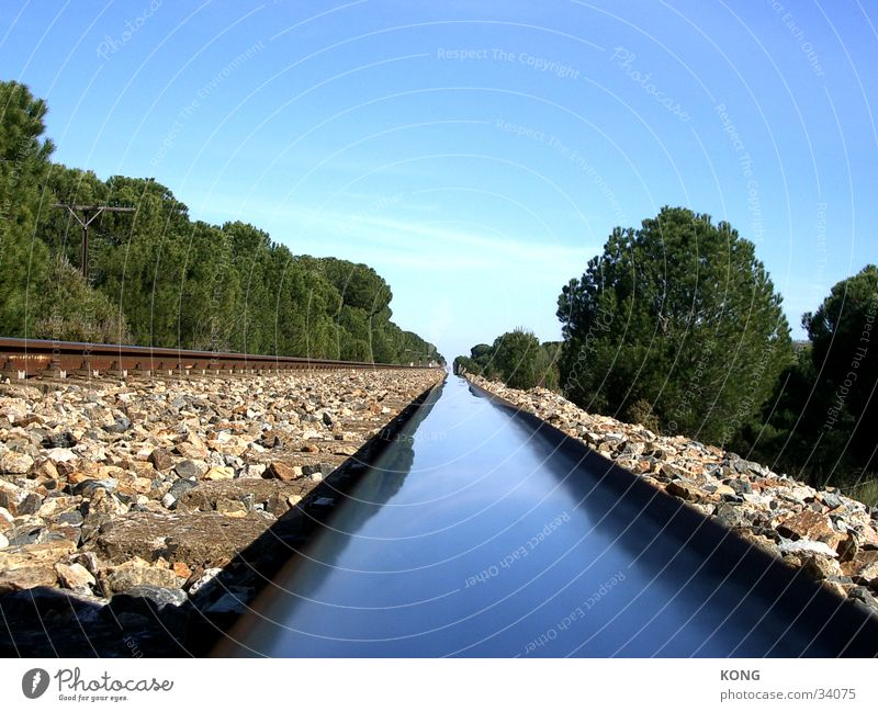 Schienenfluß ruhig Einsamkeit Metall Horizont Verkehr Perspektive Gleise Spanien