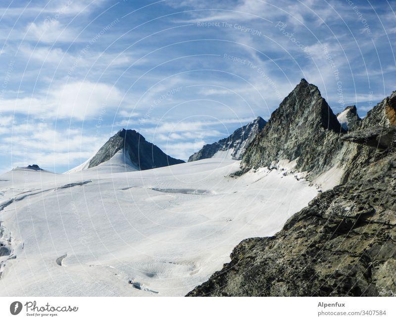 Weißes Fleckchen Gletscher Gletscherschmelze Berge u. Gebirge Natur Klimawandel Außenaufnahme Landschaft Menschenleer Umwelt Gletschereis Gipfel Urelemente kalt
