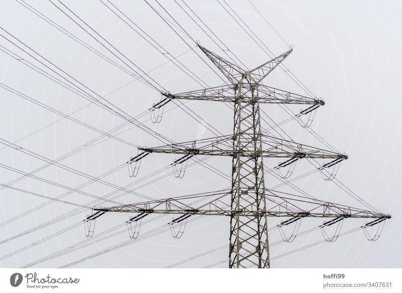 Strommast mit vielen Leitungen Elektrizität Hochspannungsleitung Energiewirtschaft Oberleitung Stromtransport Isolierung (Material) kreuzen überschneiden