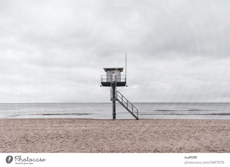 Rettungsschwimmer Station am Meer Turm Sicherheit Strandposten Bademeister Rettungsturm Schwimmen & Baden Nordsee Umwelt Sand Insel Küste Hochsitz Gebäude