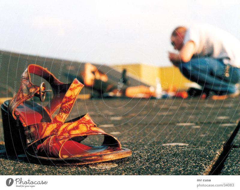 fetisch Schuhe Damenschuhe Sommer Erholung Unschärfe Hintergrundbild Stil rot Fetischismus gelb Fototechnik terasse blau