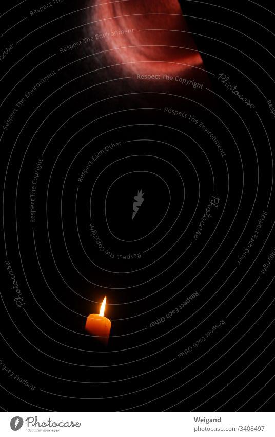 Hoffnungslicht Kerze Trauer Beten Licht Innenaufnahme Religion & Glaube Kirche beten Nahaufnahme geistig heilig