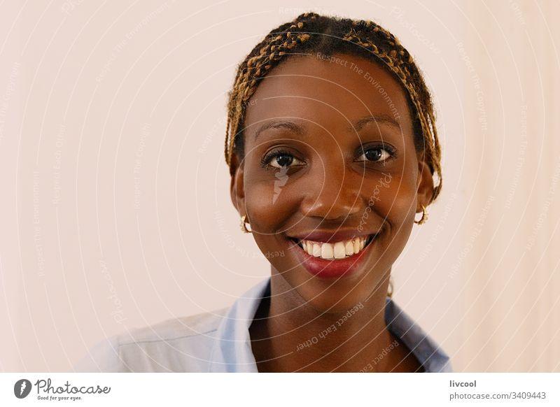 schönheit frau II , havanna - kuba Schönheit Schönheitsfrau Nizza Kuba karibisch Insel Kubanerin Erwachsener Menschen Porträt gutaussehend niedlich Straße