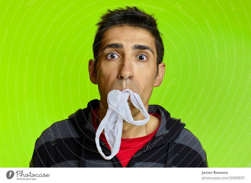 Schäden durch Plastik, die den Mund ertränken Kunststoff Verunreinigung Schaden Kunststoffe kein Kunststoff Tasche wiederverwerten grün Ertrinken Ersticken